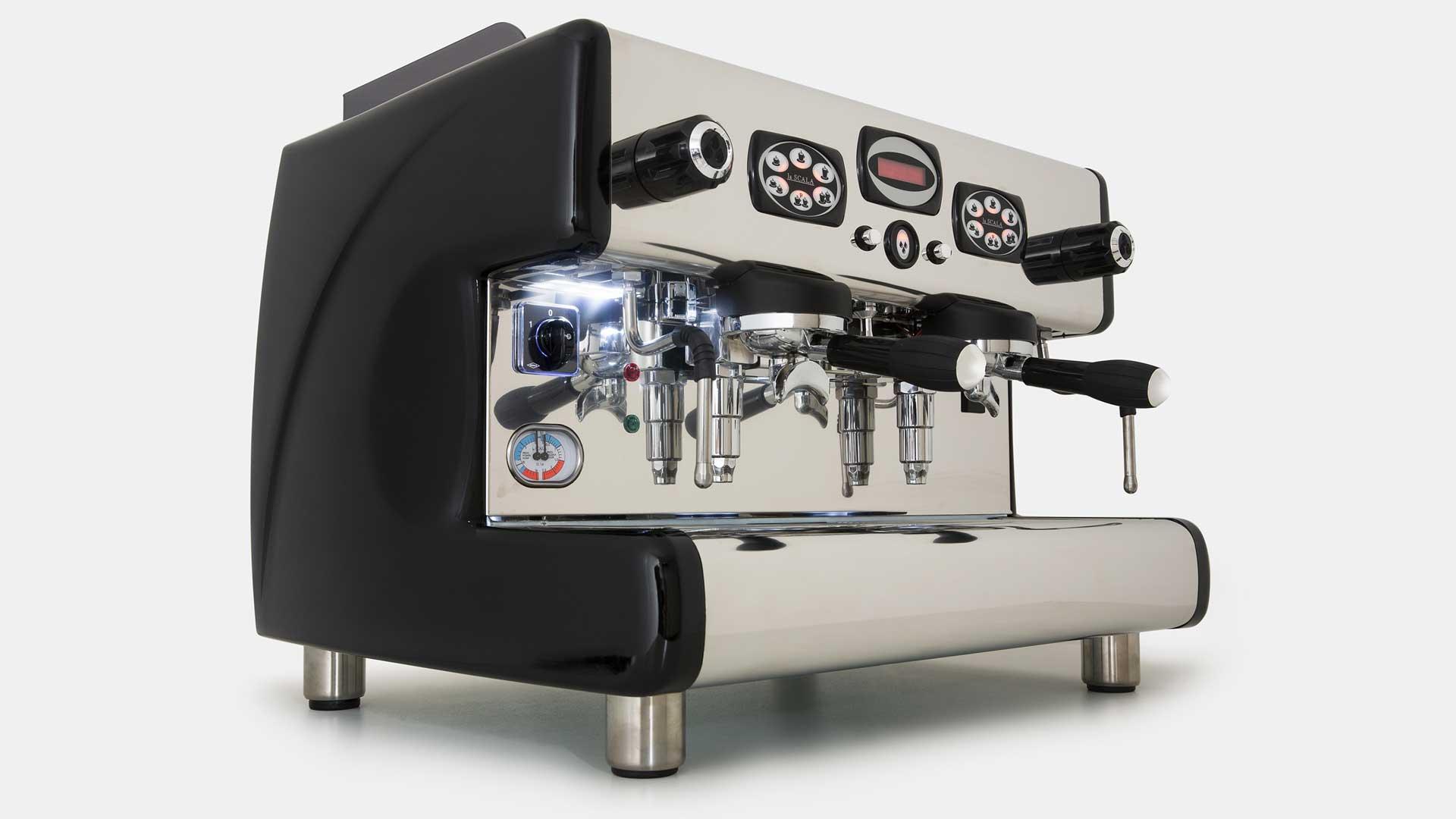 CARMEN-evo-la-scala-macchina-espresso-design-made-in-italy