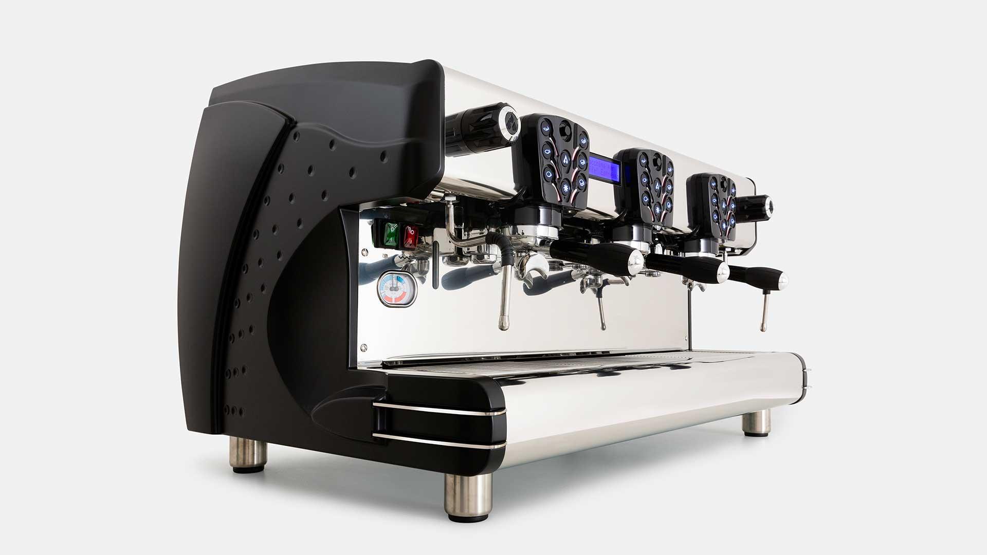 TOSCA-la-scala-macchina-espresso-design-3gruppi